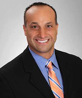 VinceMazzarese_Hero-34-Template-A-Loan-Officer_Staff-Headshot_-320x380