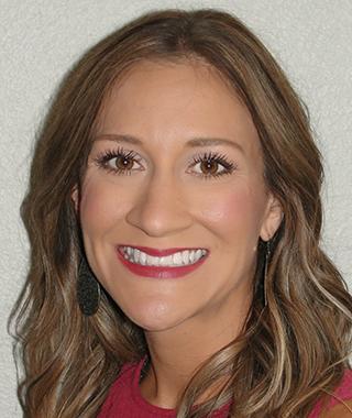 Jennifer-Foster_Hero-34-Template-A-Loan-Officer_Staff-Headshot_-320x380